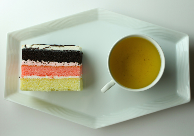 Layer cake, by Flickr user Kirinohana